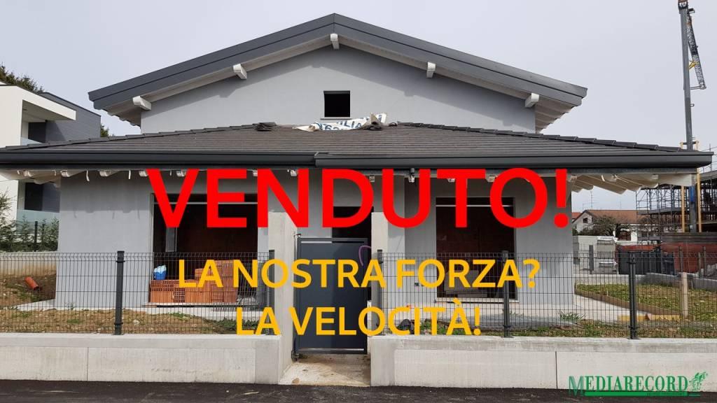 Villa in vendita a Veniano, 4 locali, prezzo € 410.000 | PortaleAgenzieImmobiliari.it