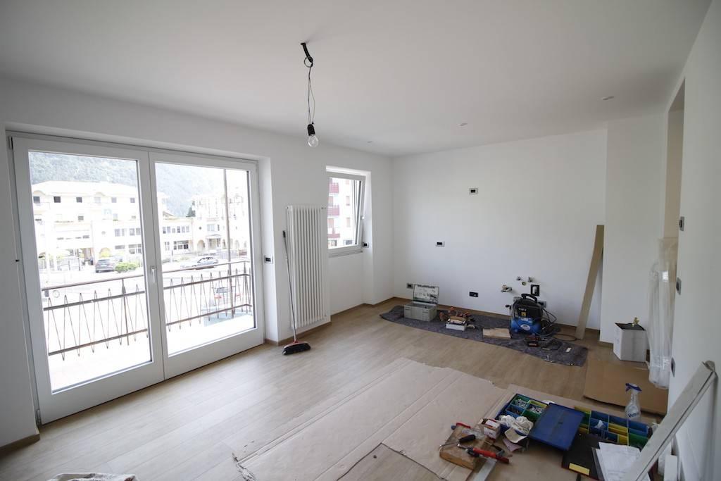 Appartamento in Affitto a Tione Di Trento Centro: 2 locali, 48 mq