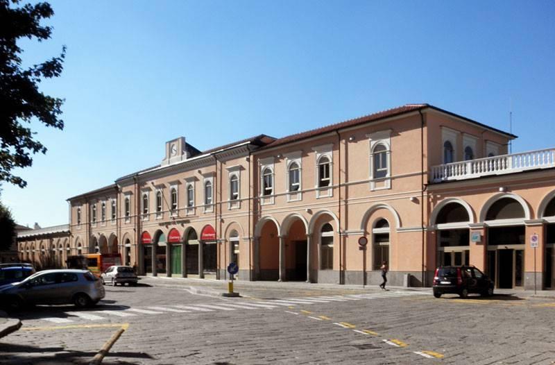 Tabacchi / Ricevitoria in vendita a Voghera, 2 locali, Trattative riservate | CambioCasa.it