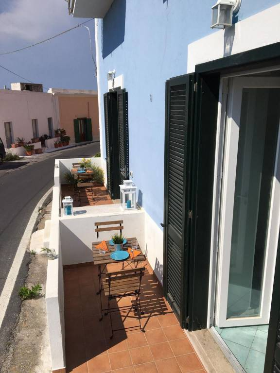 Appartamento in vendita a Ponza, 2 locali, prezzo € 200.000   CambioCasa.it
