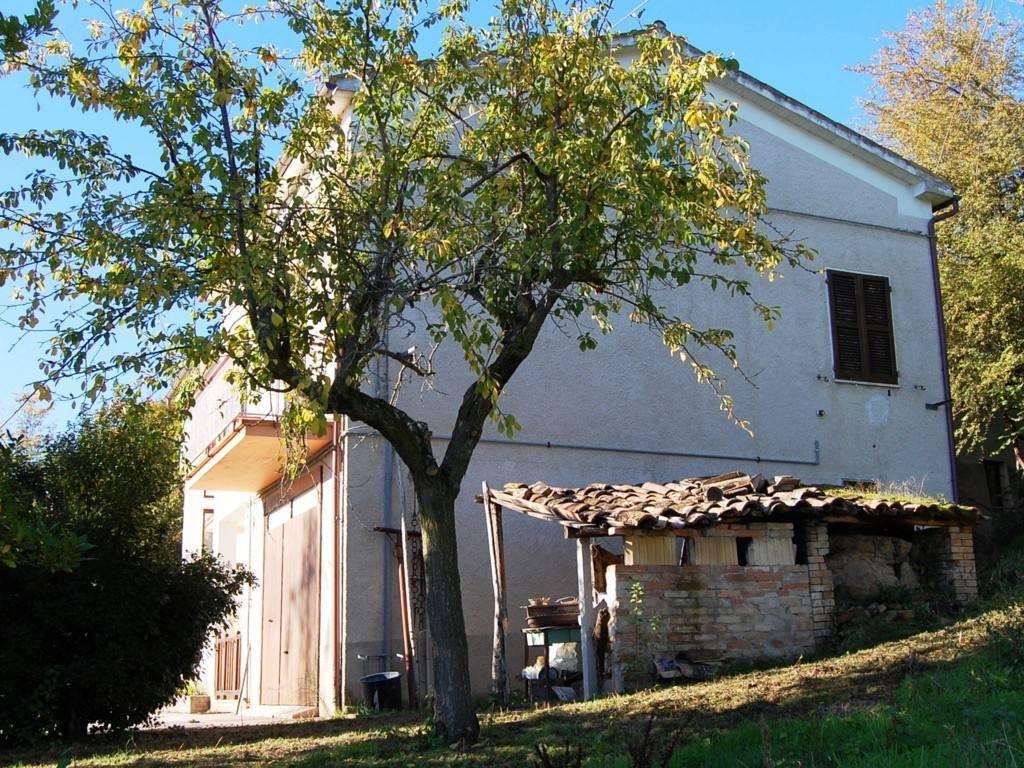 Rustico / Casale da ristrutturare arredato in vendita Rif. 7281703
