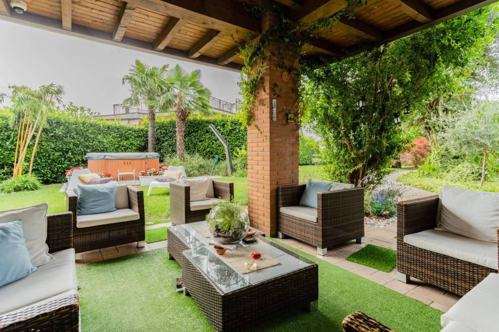 Villa in vendita a San Fermo della Battaglia, 7 locali, prezzo € 695.000 | PortaleAgenzieImmobiliari.it