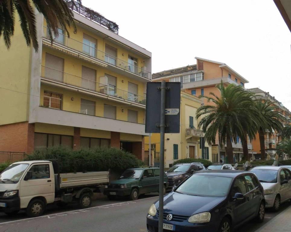 Ufficio / Studio in affitto a Lavagna, 9 locali, Trattative riservate | CambioCasa.it