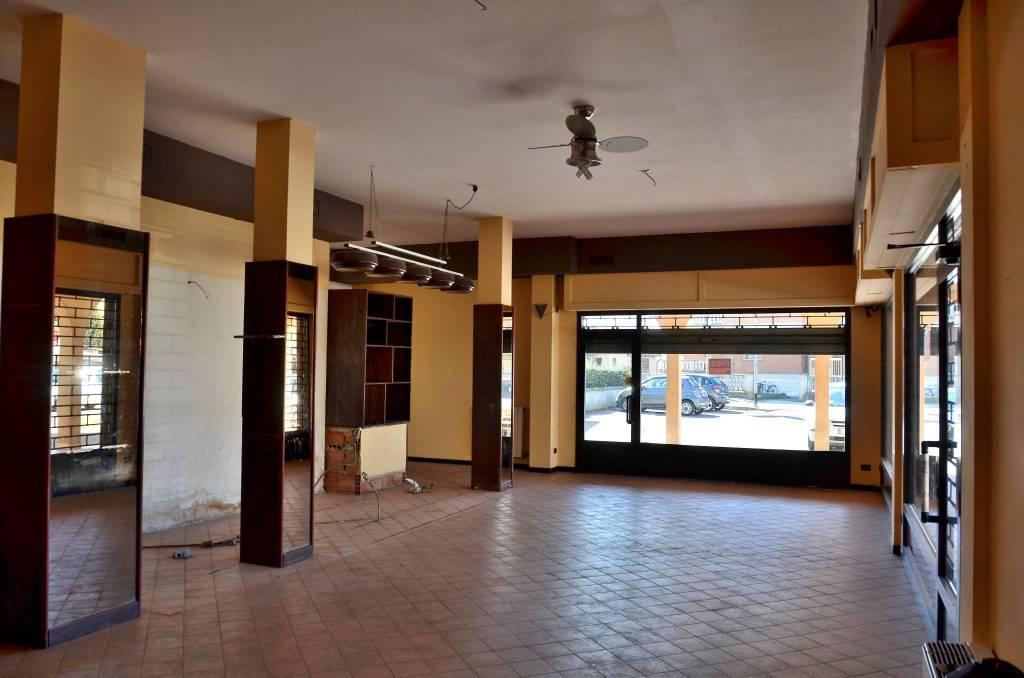 Negozio / Locale in affitto a Gerre de' Caprioli, 2 locali, prezzo € 500 | PortaleAgenzieImmobiliari.it