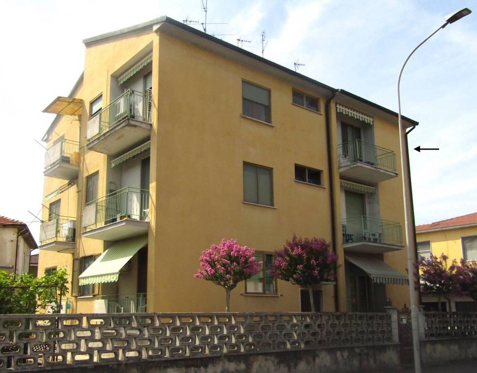 Appartamento in vendita a Garlasco, 3 locali, prezzo € 85.000   CambioCasa.it
