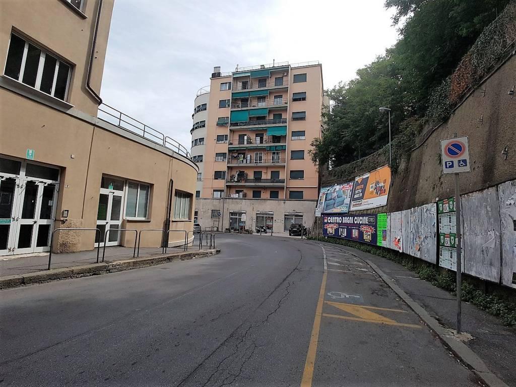 Foto 1 di Monolocale corso Aldo Gastaldi 27, Genova (zona Carignano, Castelletto, Albaro, Foce)