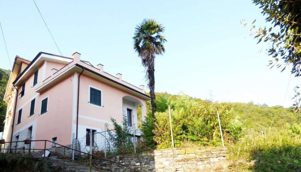 Soluzione Indipendente in vendita a San Colombano Certenoli, 6 locali, prezzo € 240.000 | CambioCasa.it