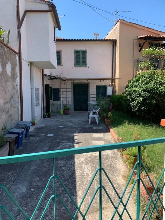 Casa indipendente in Vendita a Pisa Periferia Est: 4 locali, 70 mq