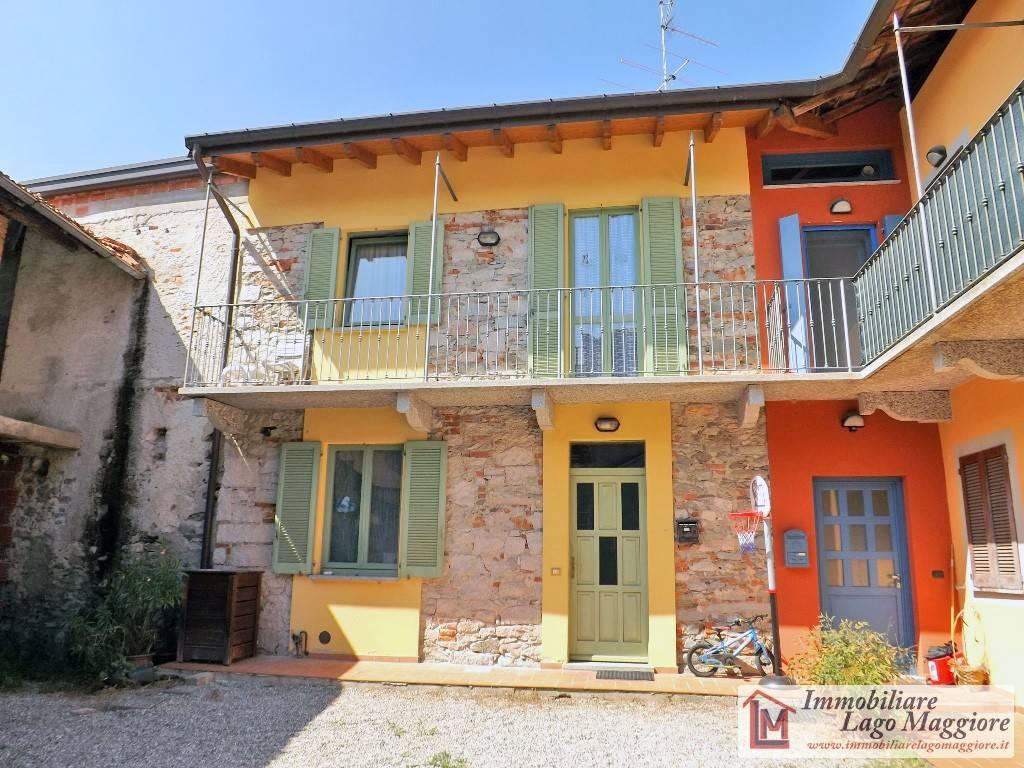 Appartamento in vendita a Angera, 2 locali, prezzo € 130.000 | PortaleAgenzieImmobiliari.it