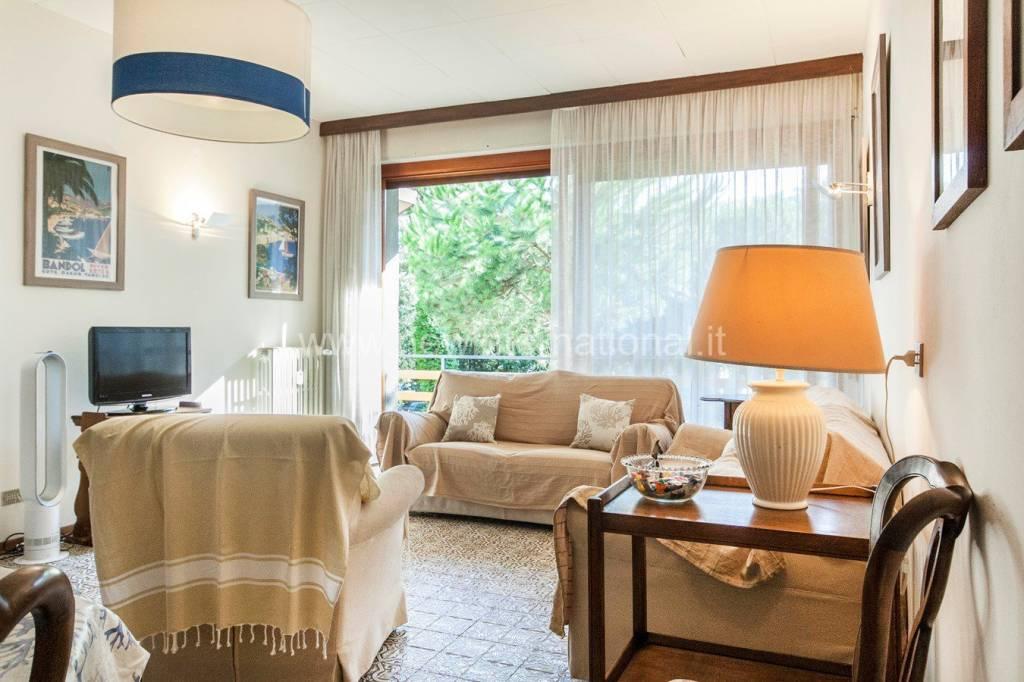 Foto 1 di Appartamento via Giosuè Carducci, Forte Dei Marmi