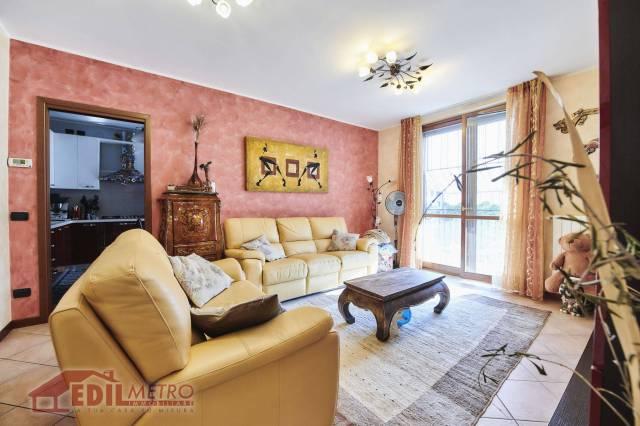 Appartamento in buone condizioni in vendita Rif. 6889479