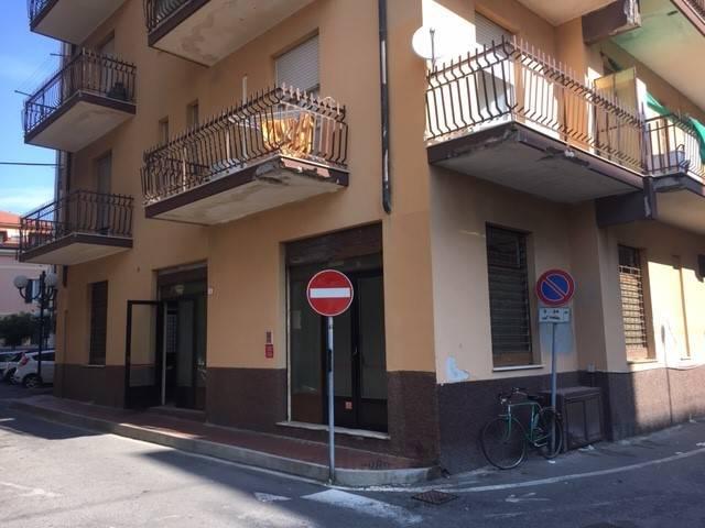 Magazzino in vendita a Borghetto Santo Spirito, 1 locali, prezzo € 95.000 | PortaleAgenzieImmobiliari.it