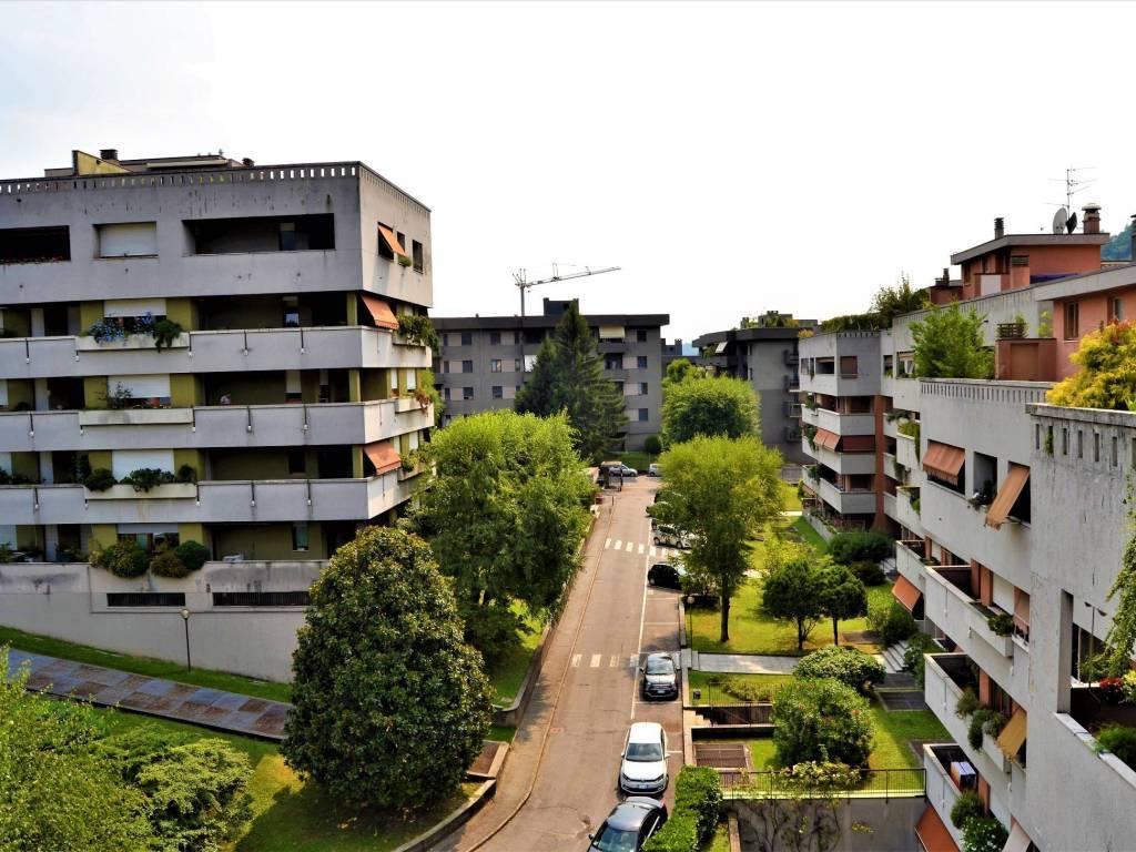 Attico / Mansarda in vendita a Como, 4 locali, prezzo € 590.000   PortaleAgenzieImmobiliari.it