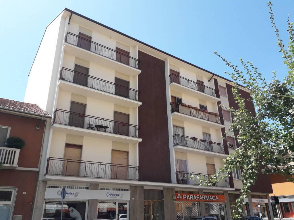 Appartamento in vendita a Santhià, 4 locali, prezzo € 38.000 | CambioCasa.it