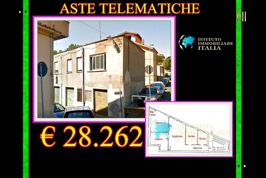Appartamento in buone condizioni in vendita Rif. 7858616