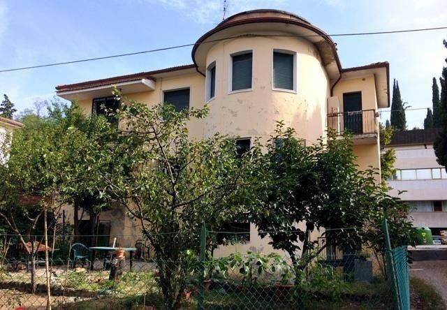Appartamento in Vendita a Perugia Semicentro: 3 locali, 112 mq