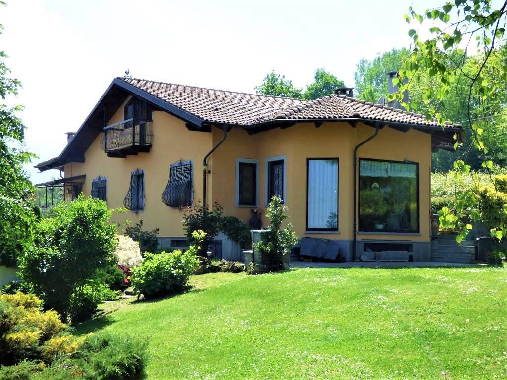 Villa in vendita a Bricherasio, 9 locali, prezzo € 269.000 | PortaleAgenzieImmobiliari.it