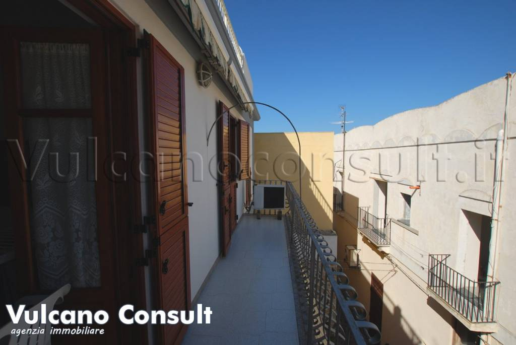 Appartamento in vendita a Lipari, 4 locali, prezzo € 180.000 | PortaleAgenzieImmobiliari.it