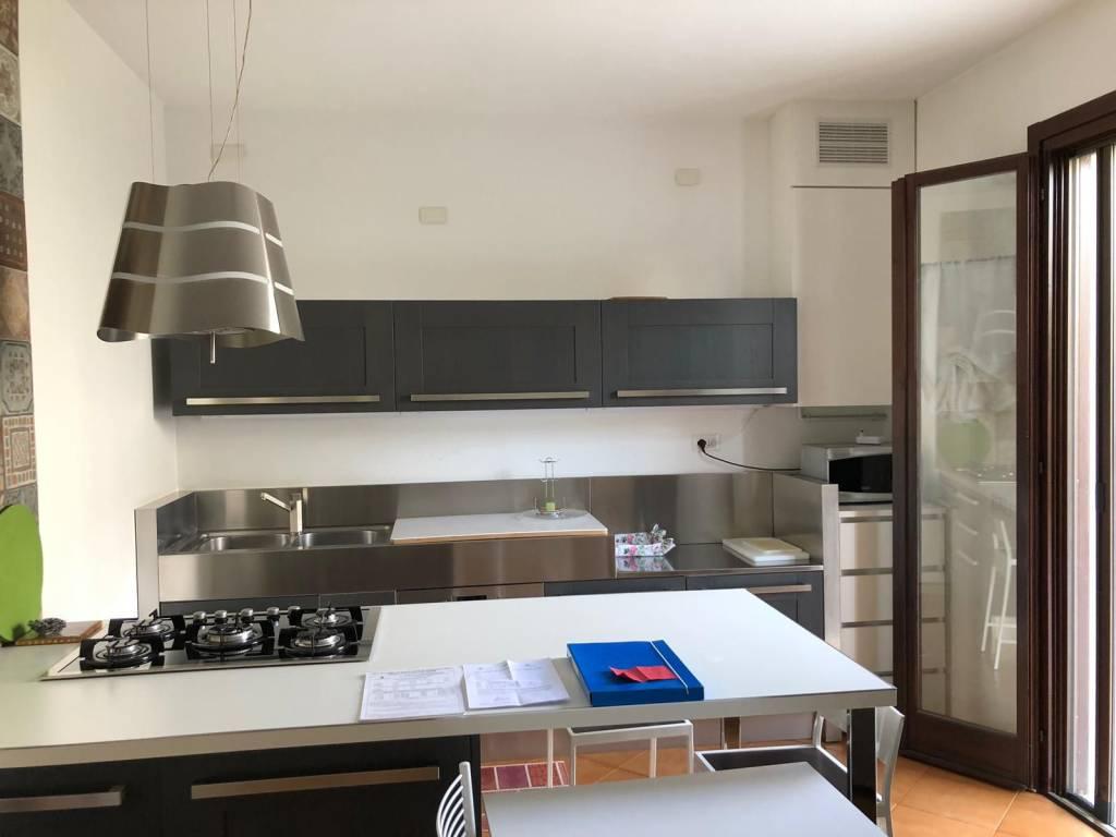 Villa a Schiera in affitto a Rodigo, 5 locali, prezzo € 650 | CambioCasa.it