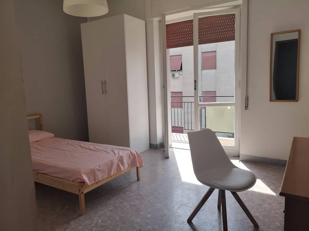Stanza / posto letto in buone condizioni arredato in affitto Rif. 7965499