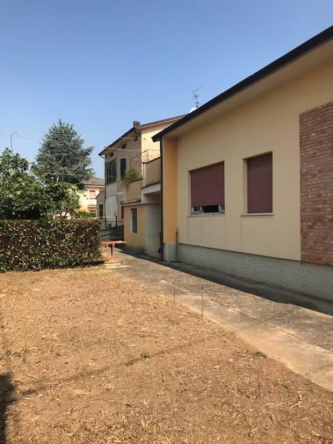 Villa in vendita a Castegnato, 6 locali, prezzo € 210.000 | PortaleAgenzieImmobiliari.it