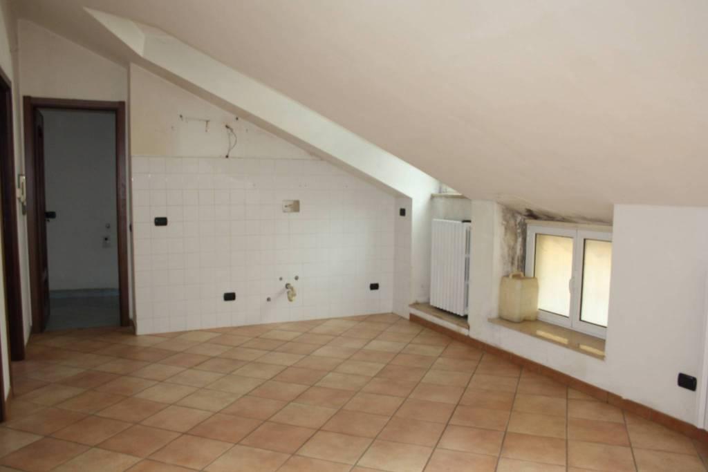 Attico / Mansarda in affitto a Castagnole delle Lanze, 3 locali, prezzo € 310 | PortaleAgenzieImmobiliari.it