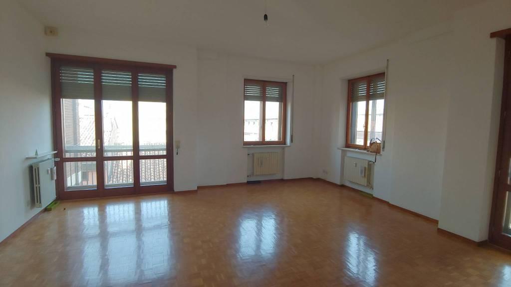 Appartamento in Vendita a Piacenza Centro: 5 locali, 190 mq
