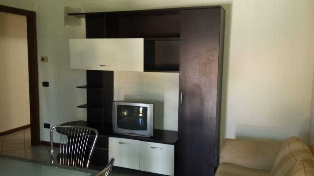 Appartamento in affitto a Cologno al Serio, 2 locali, prezzo € 450 | PortaleAgenzieImmobiliari.it