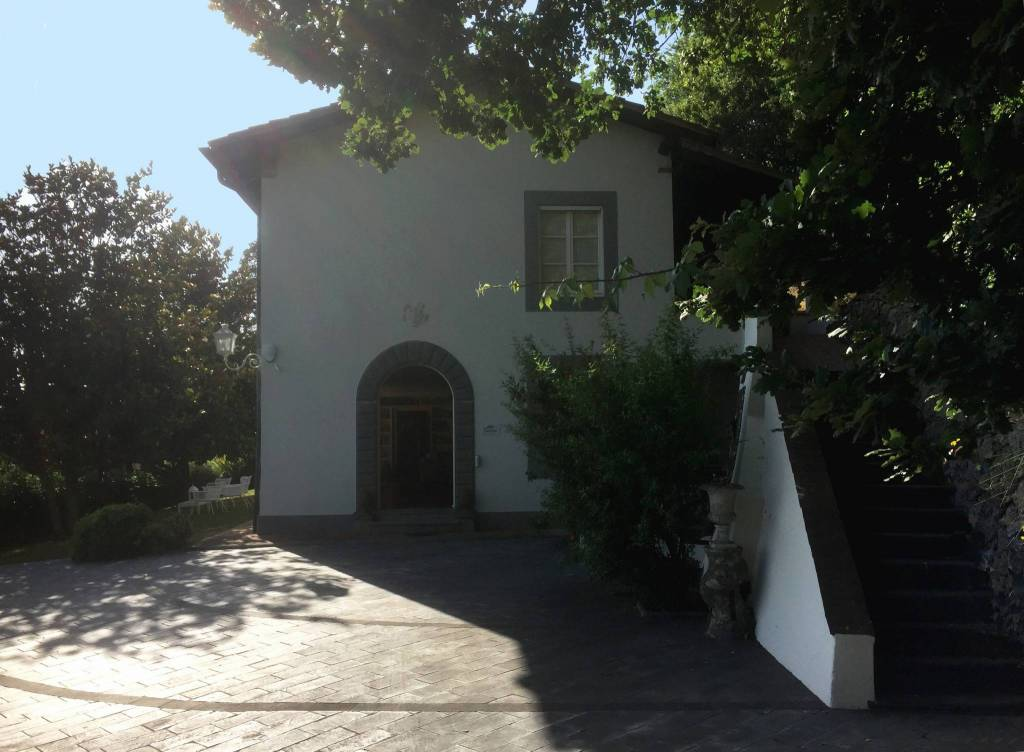 Villa in Vendita a Massarosa Periferia: 5 locali, 450 mq