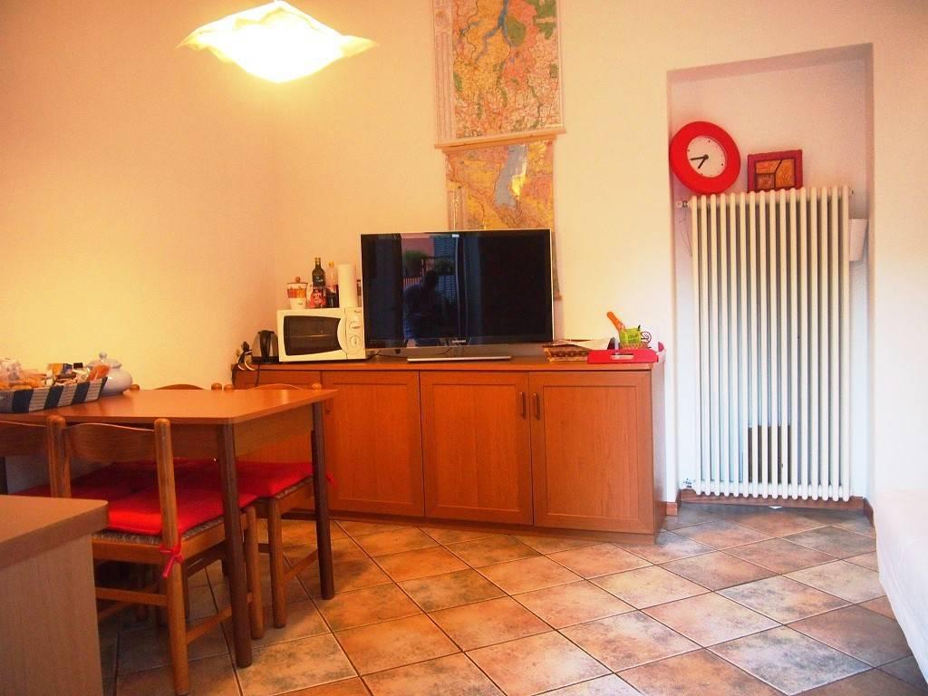 Appartamento in buone condizioni arredato in affitto Rif. 7833294