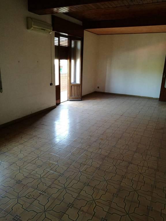 Appartamento in Vendita a Misterbianco Centro: 4 locali, 115 mq