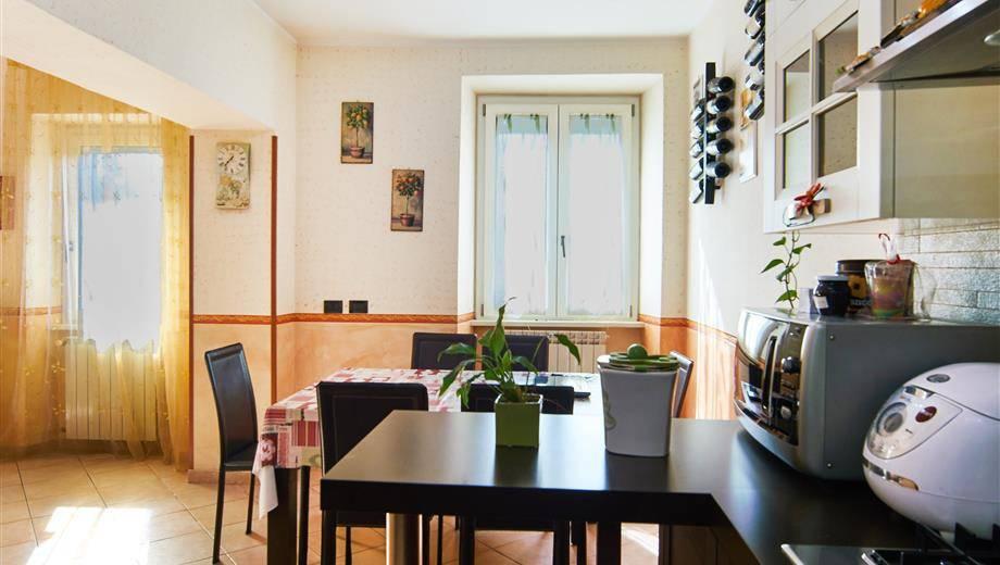 Appartamento in vendita a Canale Monterano, 3 locali, prezzo € 98.000 | CambioCasa.it
