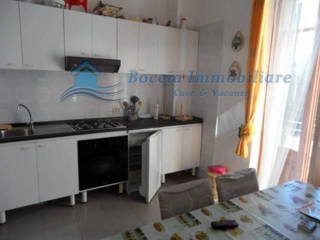 Appartamento in buone condizioni arredato in vendita Rif. 4466148