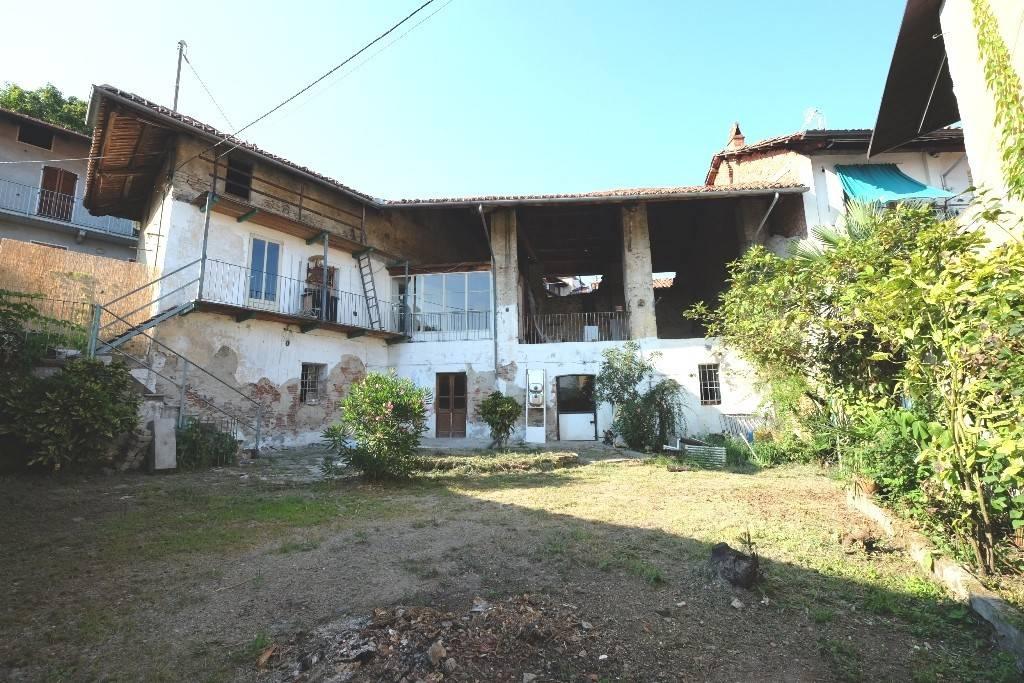 Rustico / Casale in vendita a Colleretto Giacosa, 6 locali, prezzo € 39.000 | PortaleAgenzieImmobiliari.it
