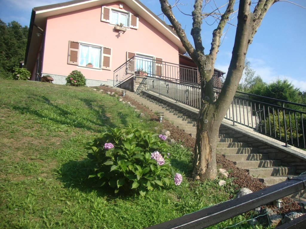 Foto 1 di Villa Savignone