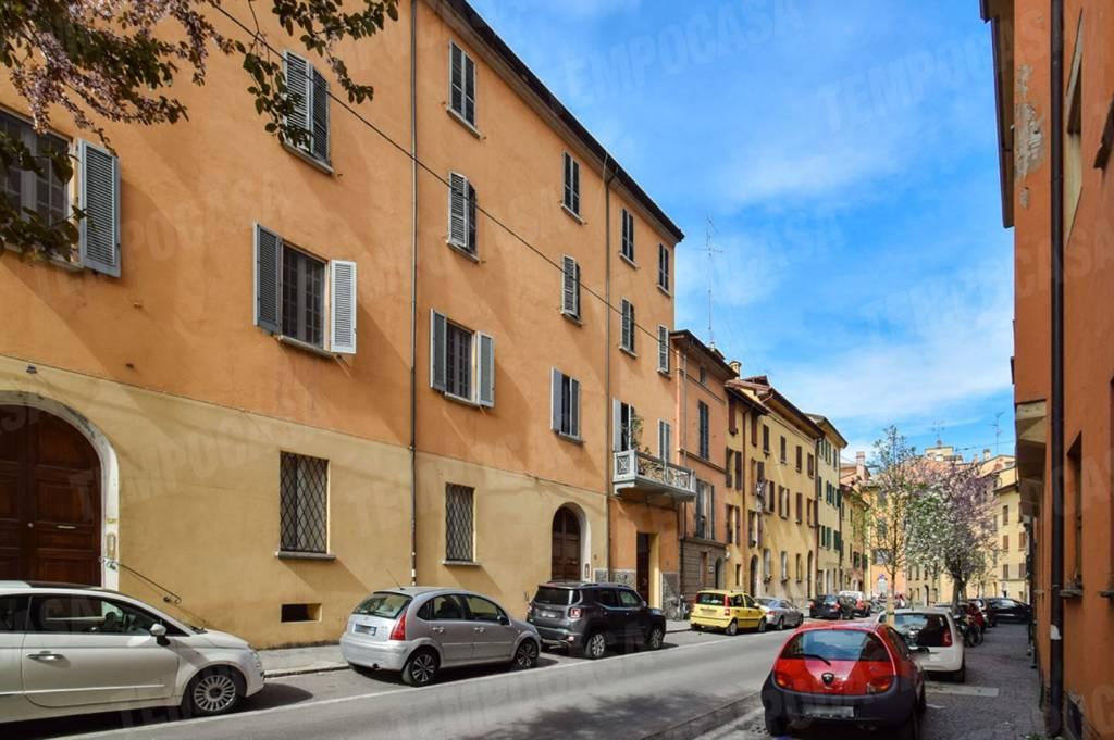 Foto 1 di Trilocale via Savenella, Bologna (zona Colli)