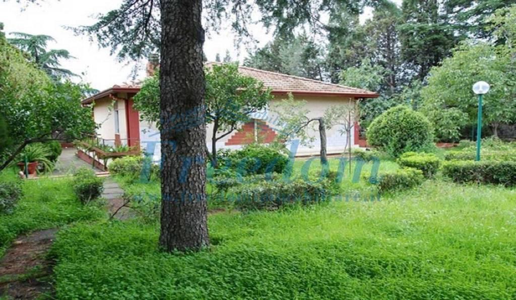 Villa in Vendita a Pedara Centro: 3 locali, 82 mq