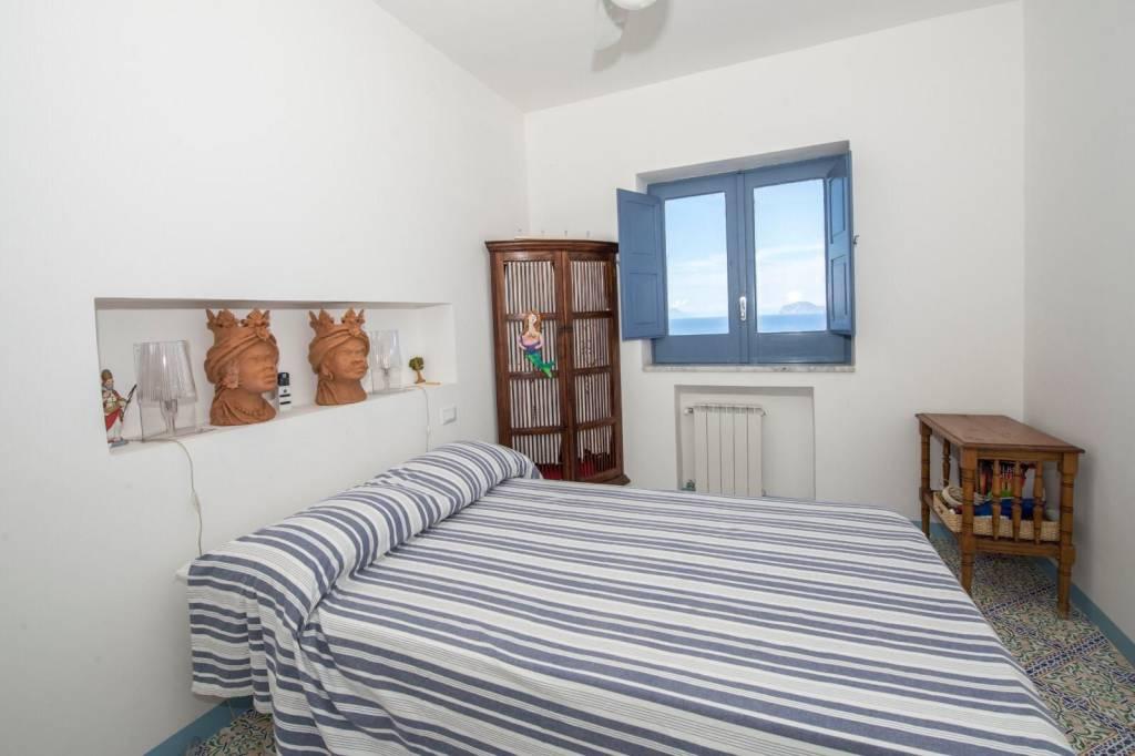 Salina- Splendida villa singola con ampi terrazzi panoramici, foto 4