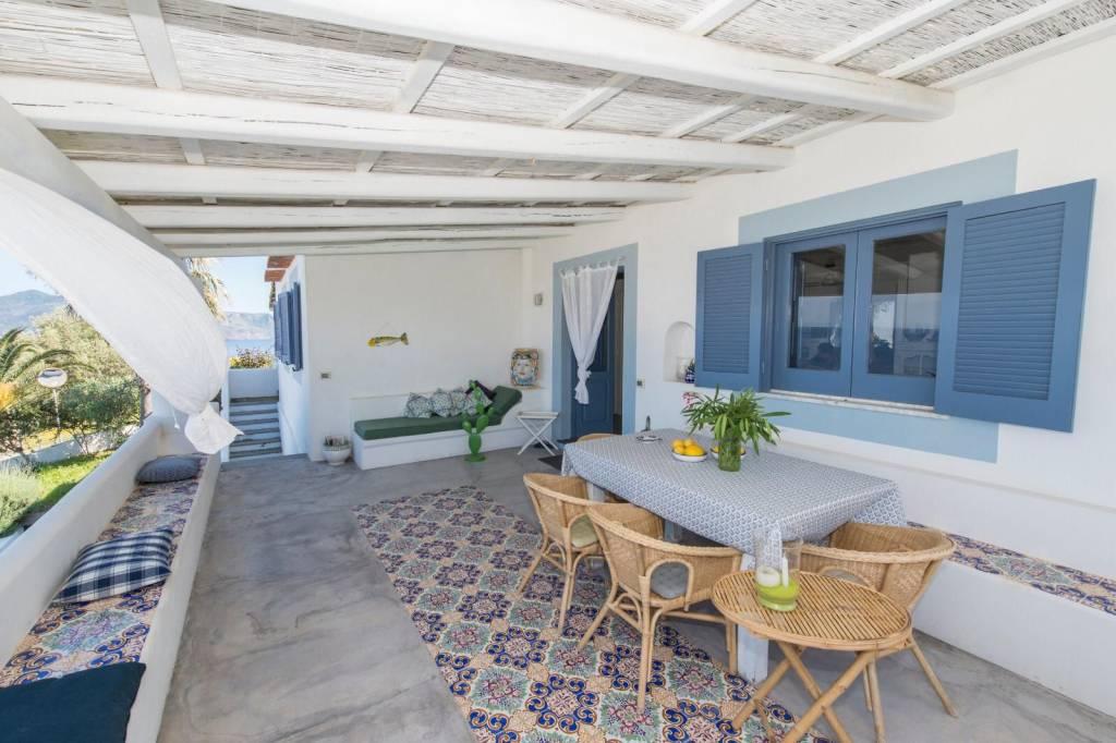 Salina- Splendida villa singola con ampi terrazzi panoramici, foto 5