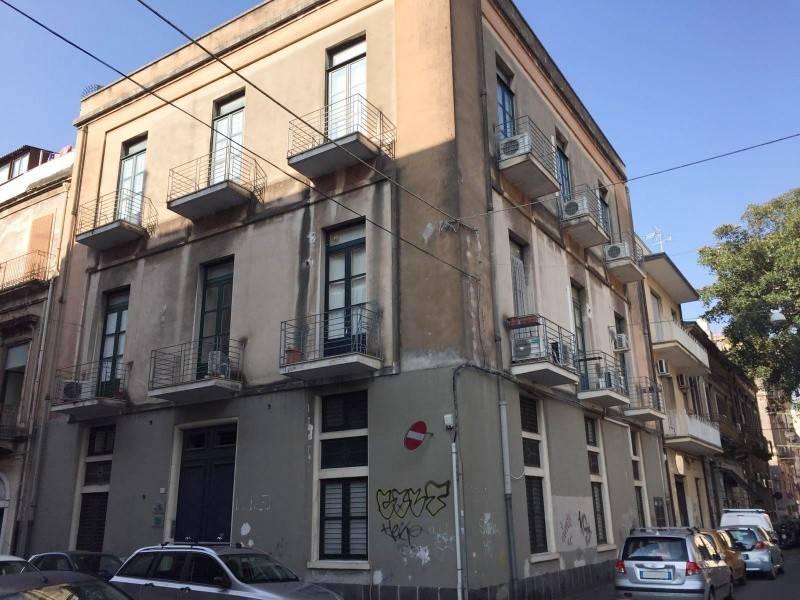 Ufficio-studio in Affitto a Catania: 3 locali, 70 mq