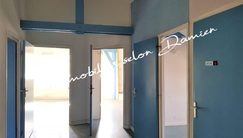 Ufficio / Studio in vendita a Cesana Torinese, 4 locali, prezzo € 84.000 | PortaleAgenzieImmobiliari.it