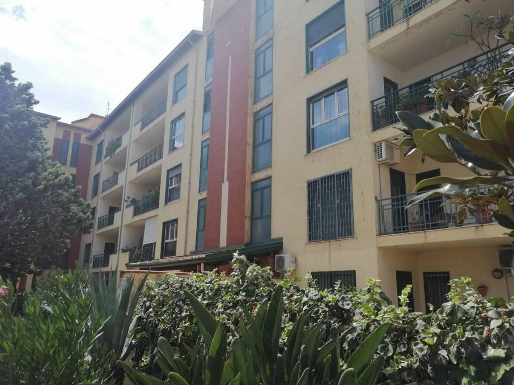 Appartamento in Vendita a Catania Centro: 4 locali, 110 mq