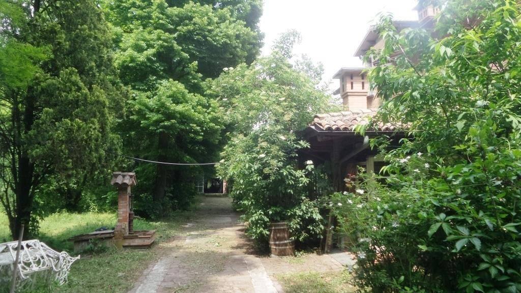 Villa in vendita a Campogalliano, 16 locali, prezzo € 890.000 | CambioCasa.it