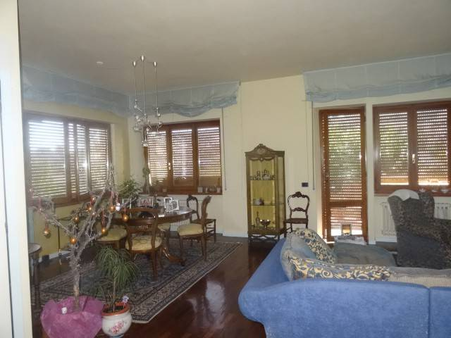 Appartamento in vendita a Fabriano, 7 locali, prezzo € 165.000 | PortaleAgenzieImmobiliari.it