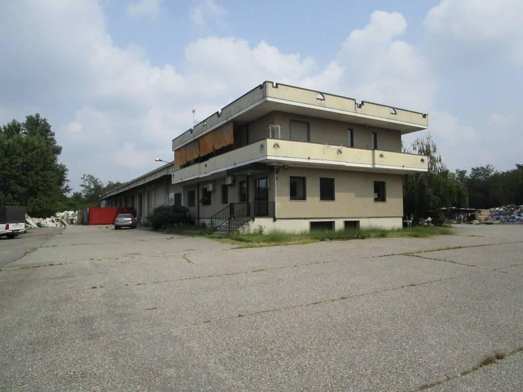 Capannone in vendita a Cressa, 6 locali, Trattative riservate | PortaleAgenzieImmobiliari.it