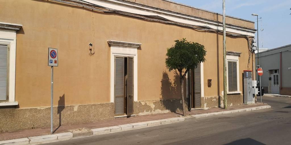 Appartamento in vendita a Veglie, 6 locali, prezzo € 218.000 | PortaleAgenzieImmobiliari.it