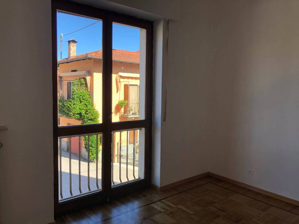 Appartamento in vendita a Roccavione, 4 locali, prezzo € 65.000 | PortaleAgenzieImmobiliari.it