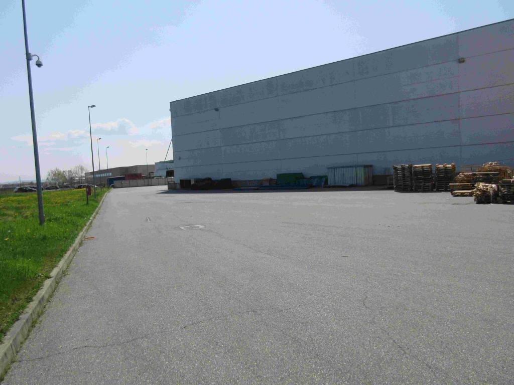 Capannone in vendita a Volpiano, 6 locali, Trattative riservate   PortaleAgenzieImmobiliari.it