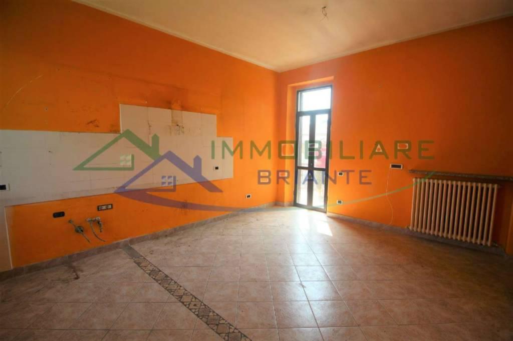 Appartamento in vendita a Cavaria con Premezzo, 3 locali, prezzo € 64.000   CambioCasa.it