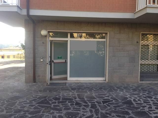 Negozio-locale in Vendita a Magione: 2 locali, 52 mq